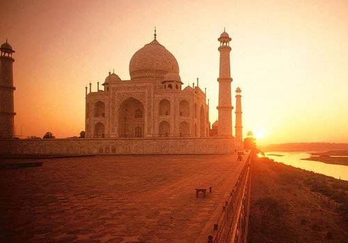 Agra Sunrise Tour by Car